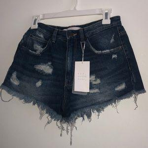 Zara rIpped Jean shorts